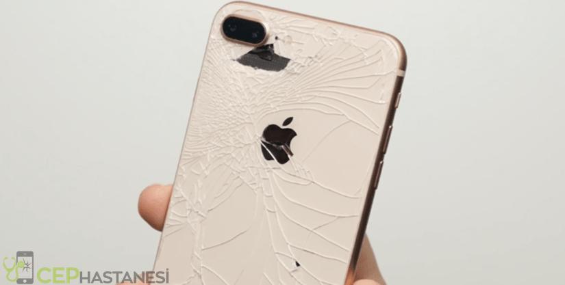 iPhone kasası eğildi, yamuldu, ezildi