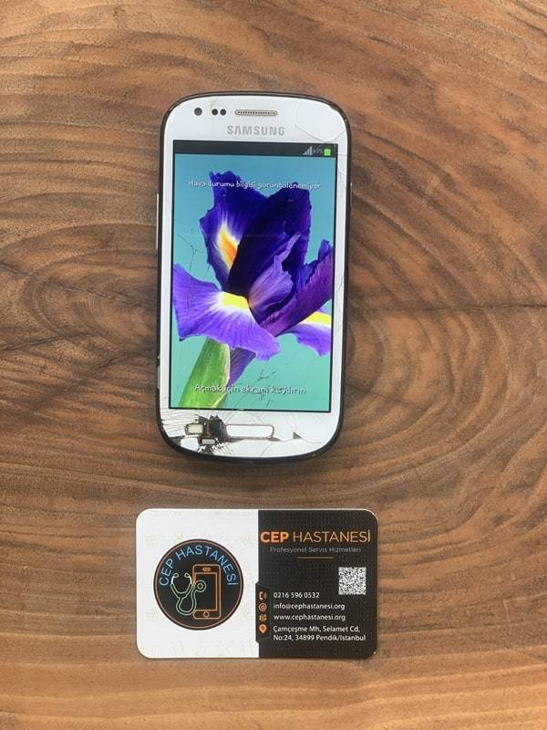 Samsung S3 Mini Ekran Cam Değişimi