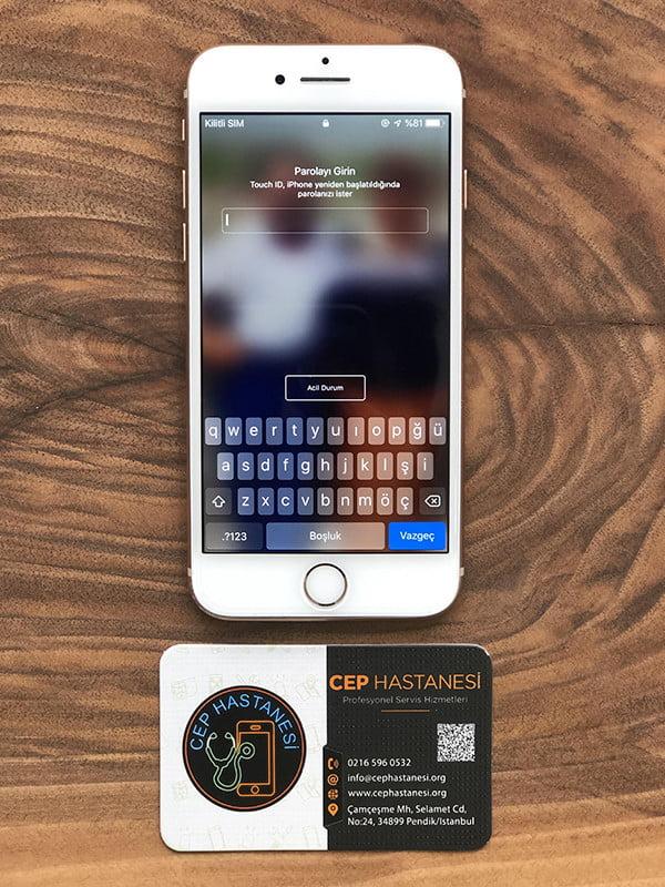 iPhone 8 Ekran Cam Değişimi