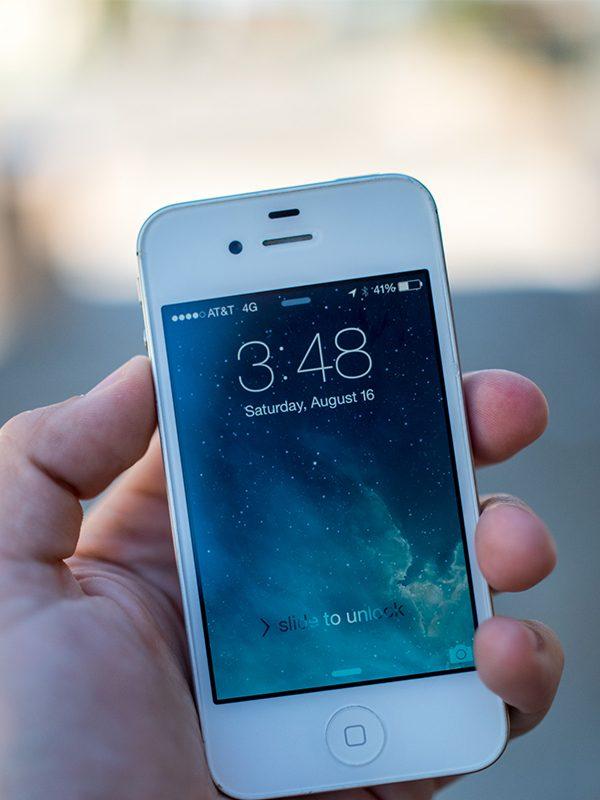 iPhone 4S ekran değişimi