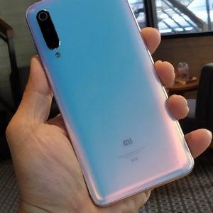 Xiaomi Mi 9 Pro Arka Kapak Değişimi