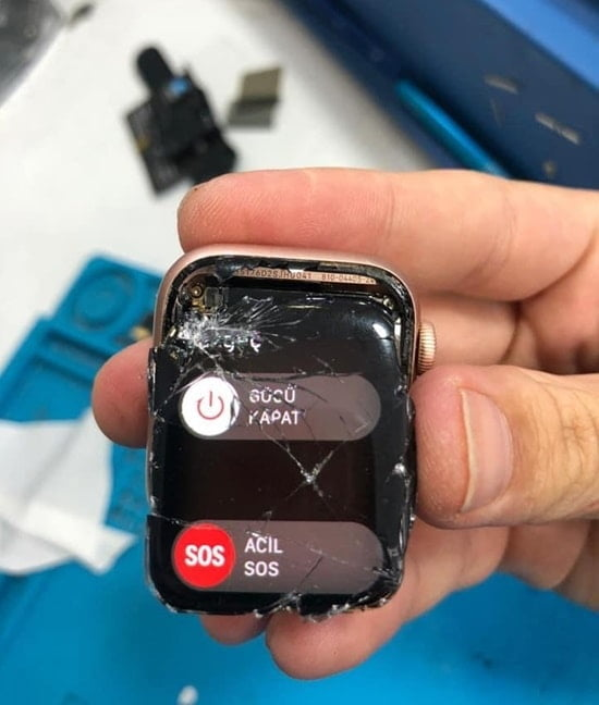 Apple Watch Kırıldı