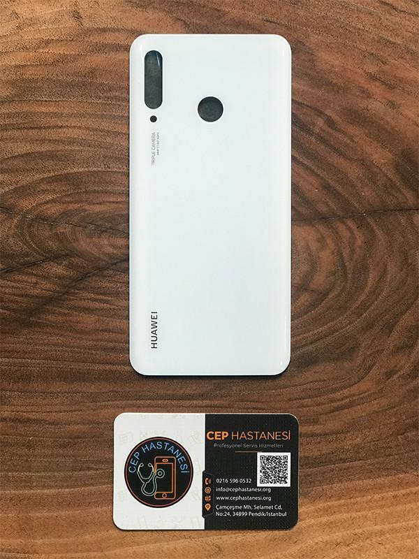 Huawei P30 Lite Arka Cam Değişimi beyaz renk