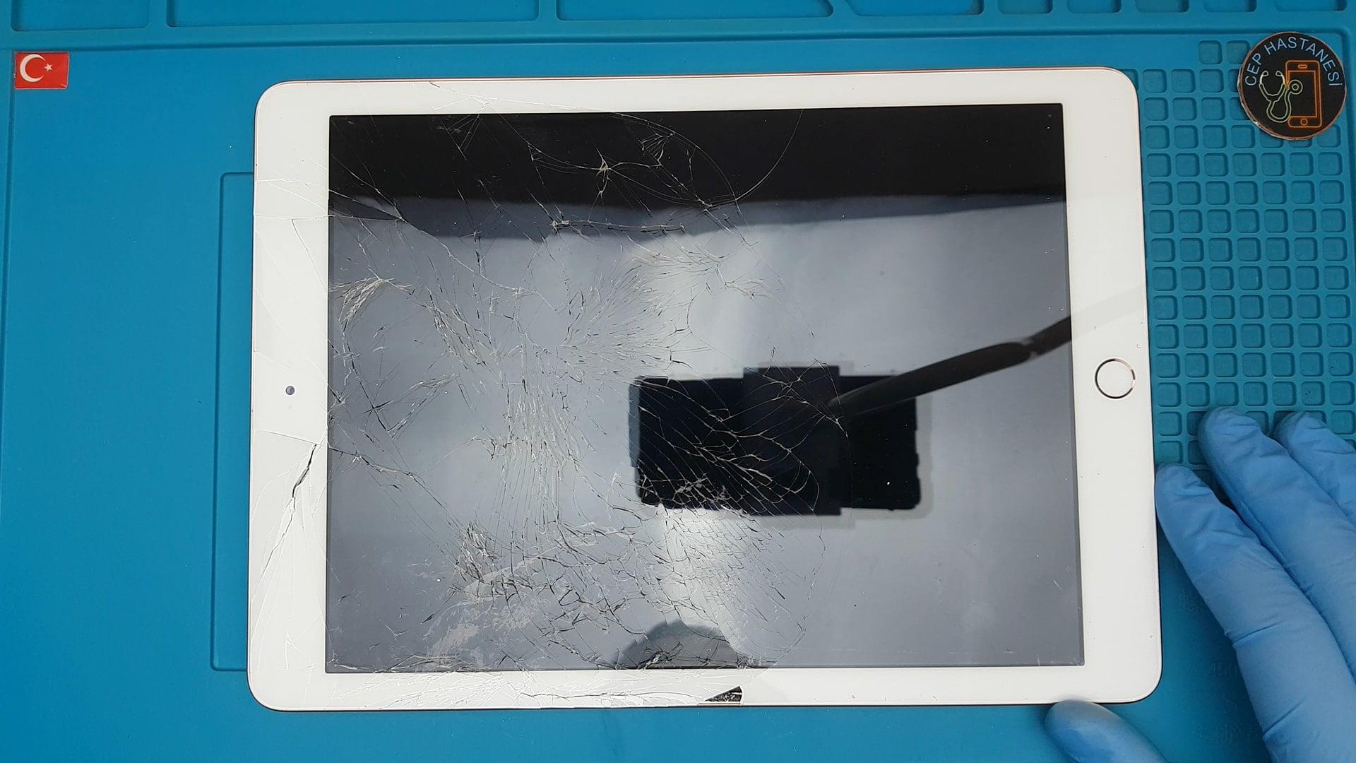 iPad Ön Cam Değişimi