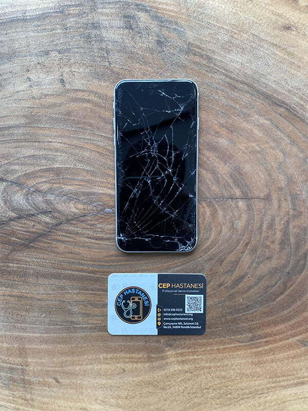 iPhone SE 2 2020 Ekran Değişimi
