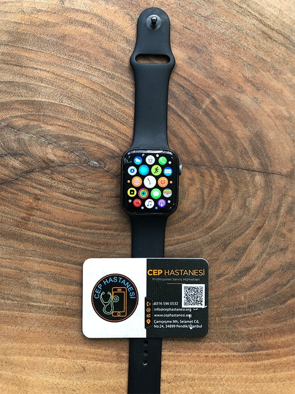 Apple Watch 4mm 4. seri cam değişimi