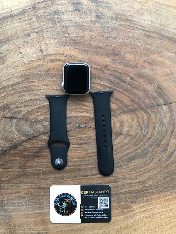 Apple Watch 4.Nesil 40mm Cam Değişimi